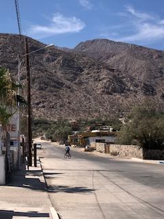 The road to the tienda.